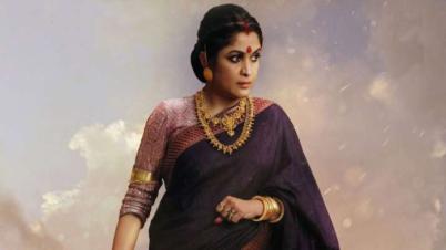 ১০০ বোতল মদসহ ধরা পড়লেন অভিনেত্রী রামিয়া