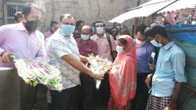 দিনাজপুরে বাড়ি পেল প্রতিবন্ধী রুবিনা বেগম