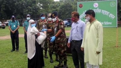 রংপুর বিভাগে সেনাবাহিনীর খাদ্যসামগ্রী পেল ১ হাজার পরিবার