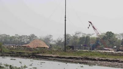 কালিগঙ্গা নদীর উপরে সেতু নির্মাণ কাজ এগিয়ে চলেছে