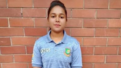 পাকিস্তান সফরে যশোরের মেয়ে নারী ক্রিকেট দলের মেঘলা