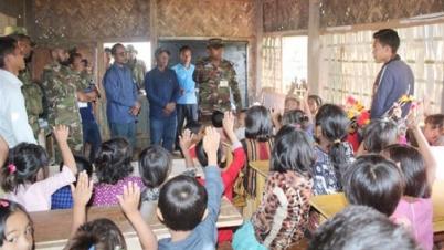 বান্দরবানে বন্ধ স্কুল চালু করল সেনাবাহিনী