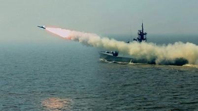 বঙ্গোপসাগরে বাংলাদেশ নৌবাহিনীর সফল মিসাইল উৎক্ষেপণ