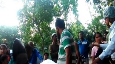 শেরপুরে ভিজিডির ১০ বস্তা চালসহ দোকানি আটক